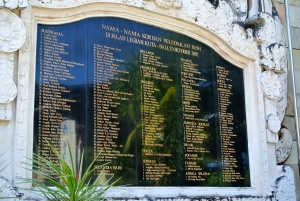 Tribute to 180 deaths on Sari Club, 2002