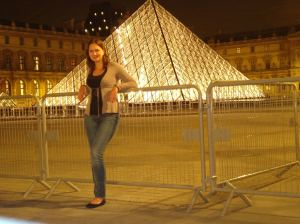 Passeio na madrugada pelo Louvre: sensação de te-lo só para você!